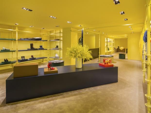 fachada tienda Calvin Klein nueva york interiorismo amarillo diariodesign