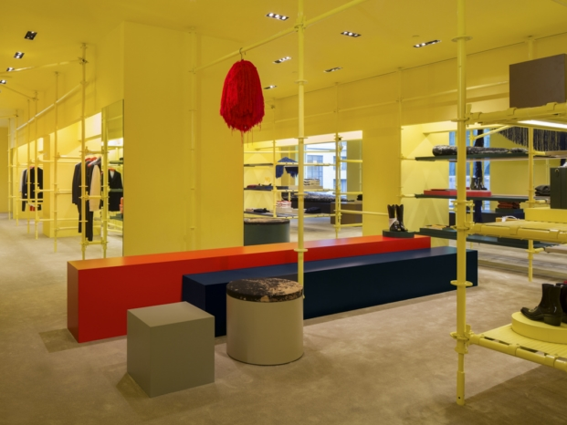 interior flagship Calvin Klein madison avenue interiorismo amarillo diariodesign