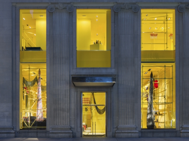 fachada tienda Calvin Klein madison avenue interiorismo amarillo diariodesign