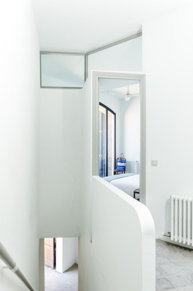 terraza casa en la costa brava nook arquitectos esgarbi diariodesign