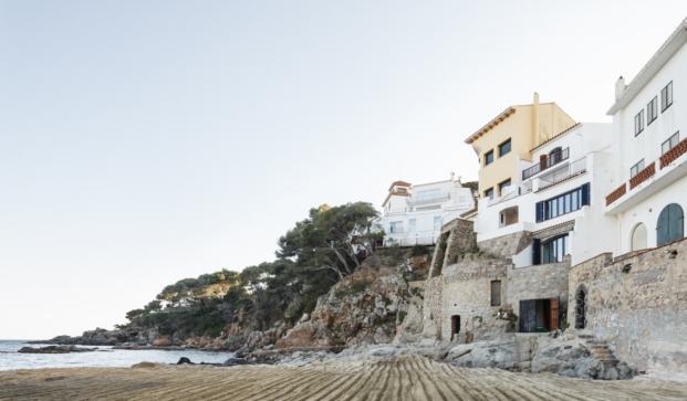 casa en la costa brava reforma de nook arquitectos diariodesign