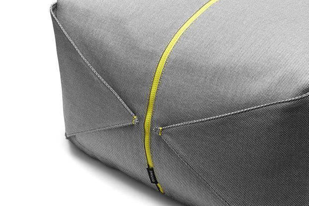 detalle pouf ori gris y amarillo para zaozuo de yonoh design diariodesign
