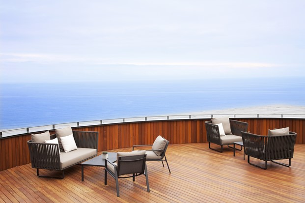 muebles de exterior kettl en hotel akelarre san sebastian pedro subijana diariodesign