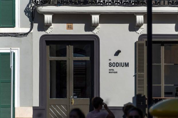 entrada sodium hotel boutique menorca jung diariodesign