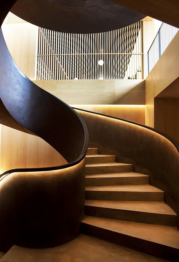 escalera del hotel akelarre en san sebastian pedro subijana diariodesign