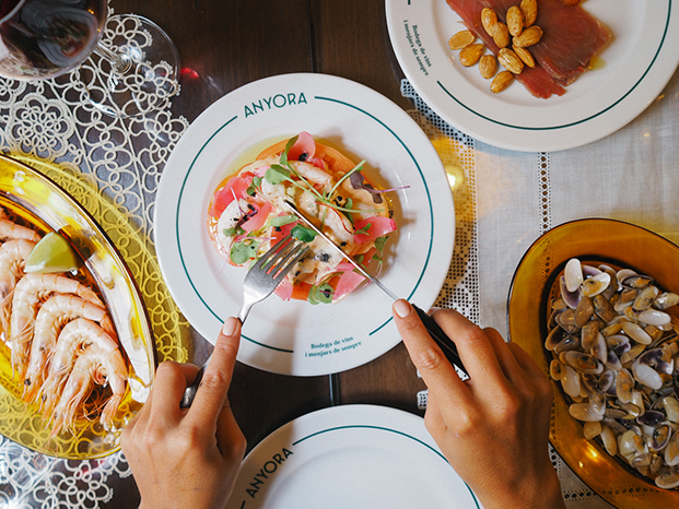 platos en la taberna anyora valencia diariodesign