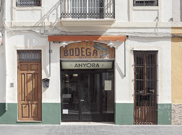 entrada taberna anyora valencia diariodesign