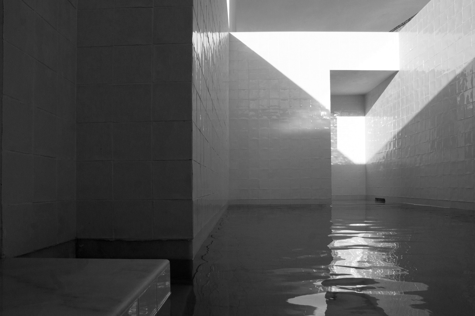 piscina Casa em Alfama lisboa Matos Gameiro arquitectos diariodesign