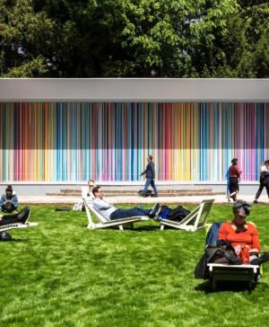 instalacion de Swatch en Giardini Colourfall para la biennale de venecia diariodesign