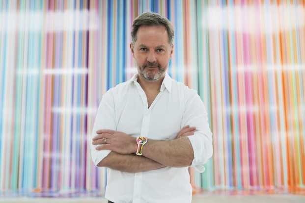 instalacion de Swatch en Giardini Colourfall de Ian Davenport para la biennale de venecia diariodesign