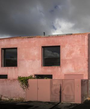 La Casa Vermelha una moderna reforma de extrastudio en diariodesign magazine