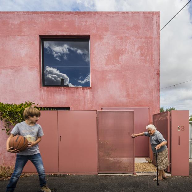 patio La Casa Vermelha una moderna reforma de extrastudio en diariodesign magazine