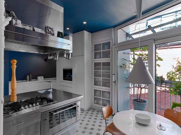 cocina Casa en Stuttgart de Ippolito Fleitz tendencias interiorismo en diariodesign