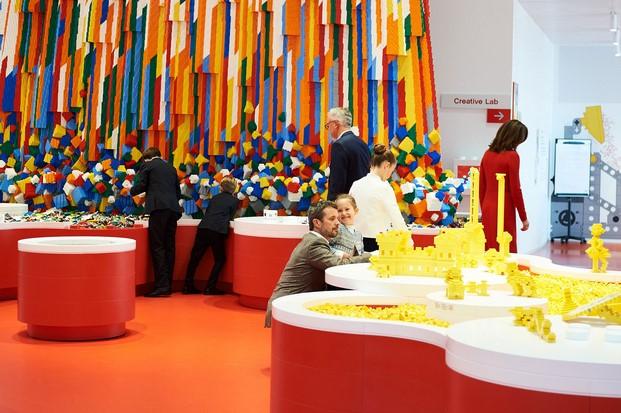 espacios en la casa de lego house en dinamarca diariodesign