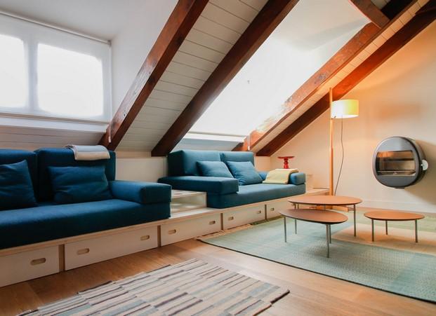 sofa a medida en un apartamento en benasque