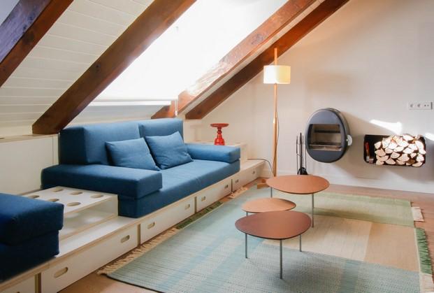 sofa convertible en uun apartamento en benasque diariodesign