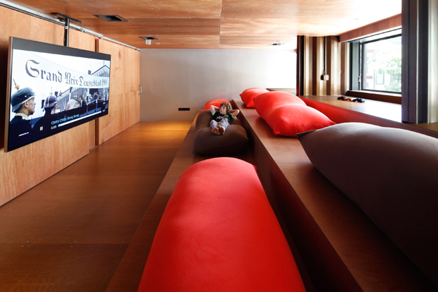sofa edificio carroll house en nueva york del estudio lot ek diariodesign