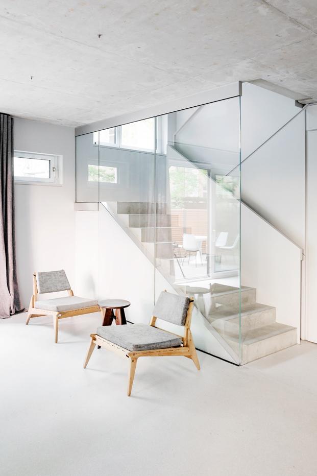 escaleras de House on Prenzlauer Berg diseno en Berlin diariodesign