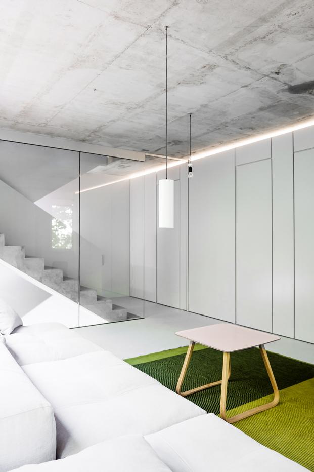 escalera de House on Prenzlauer Berg diseno en Berlin diariodesign
