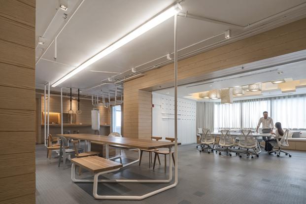 gym en la oficina de onion arquitectos diariodesign