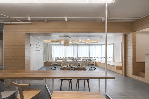 gimnasio en la oficina de onion arquitectos diariodesign