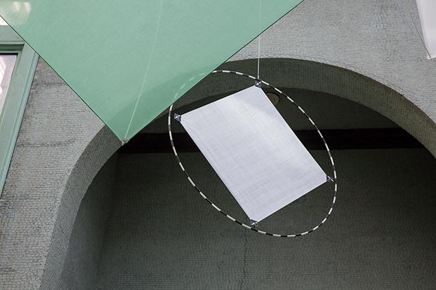 detalle textiles kvadrat en a instalacion Shields en new york diariodesign