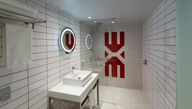 bano Radisson RED hotel millenial en ciudad del cabo diariodesign