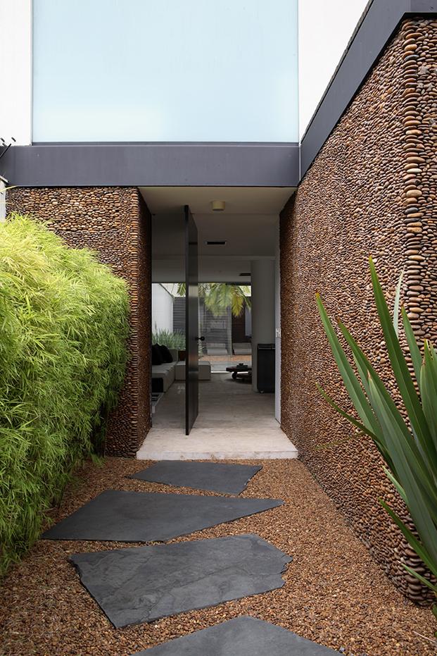 casa con patio en resumen de la semana diariodesign