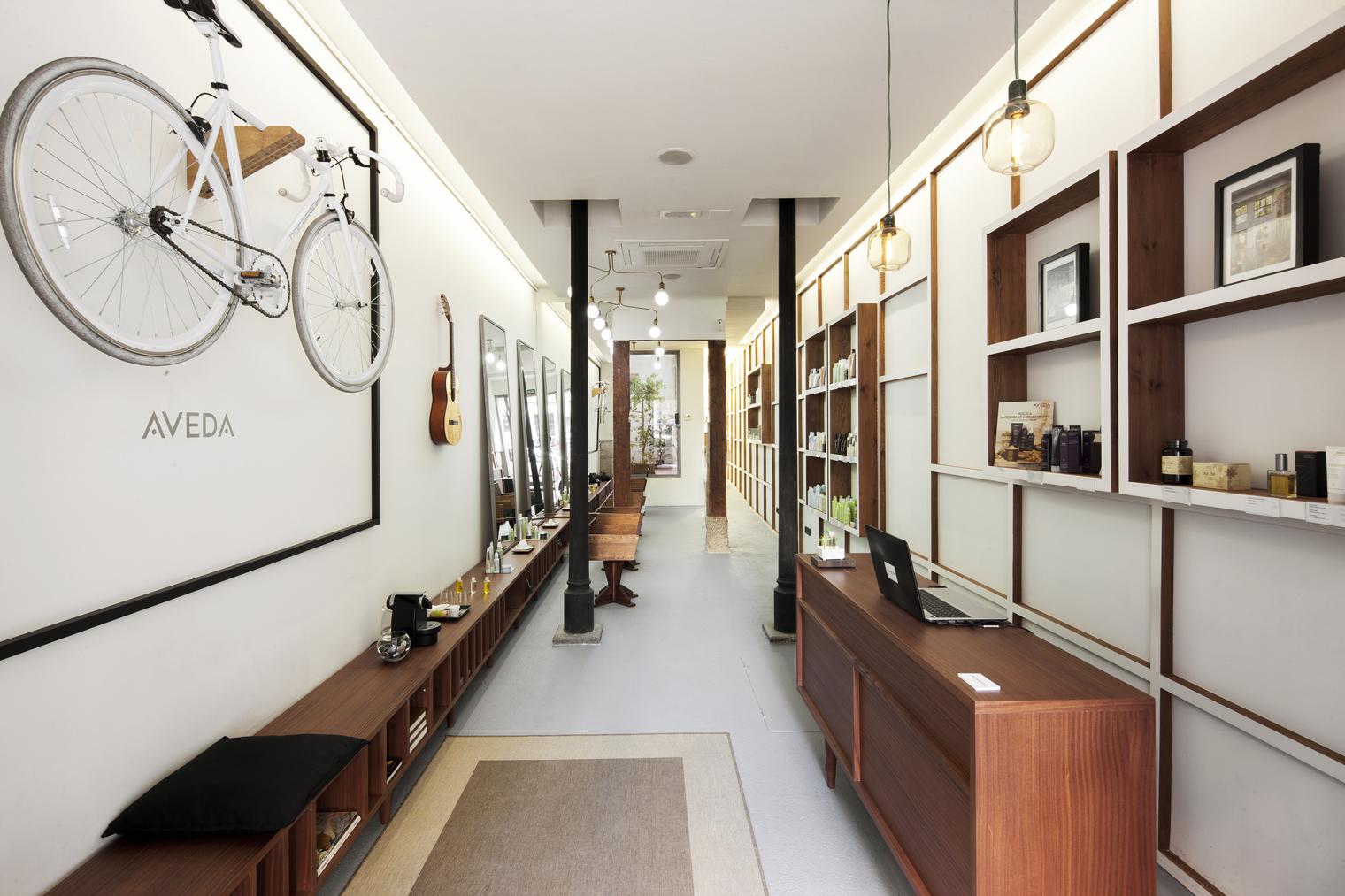 Alberto cali peluquer a neofolk en el centro de madrid for Estudios de interiorismo madrid