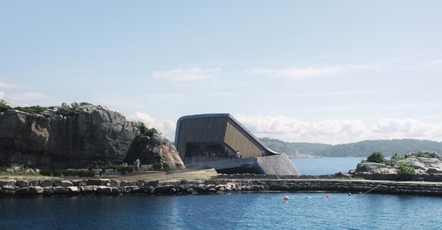 restaurante submarino en una roca diariodesign