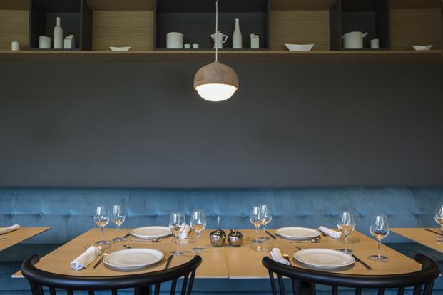 mesa del restaurante vido en ceu universidad diariodesign