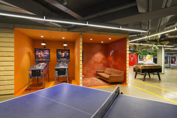 zona recreativa del call center de VodafoneZiggo  en Rotterdam diariodesign