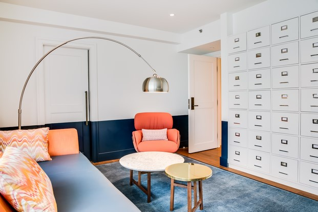 flos en la suite suite Beatles hotel lennon yoko ono paz diariodesign