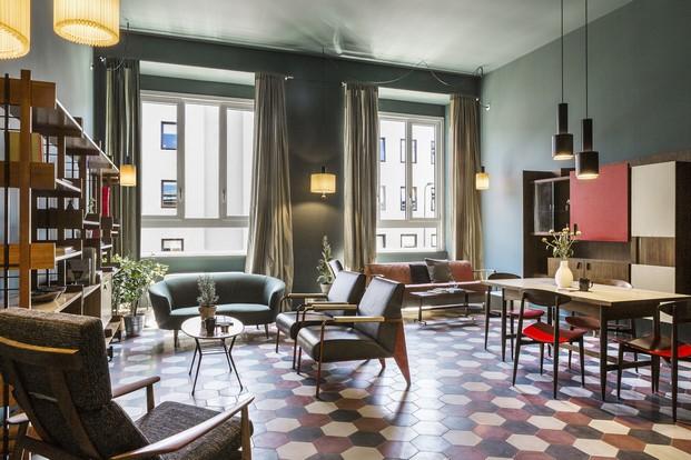 sala de estar en hotel casaBASE milan via tortona diariodesign
