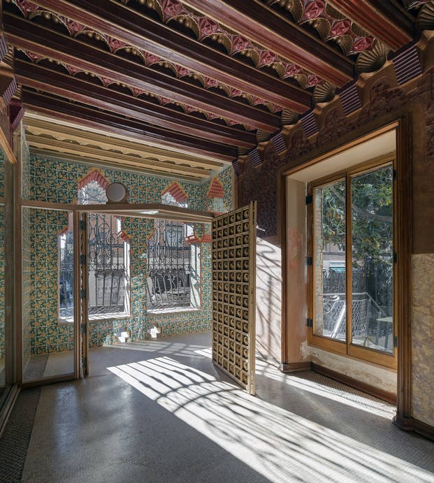 interior casa vicens en barcelona de gaudi en barcelona diariodesign