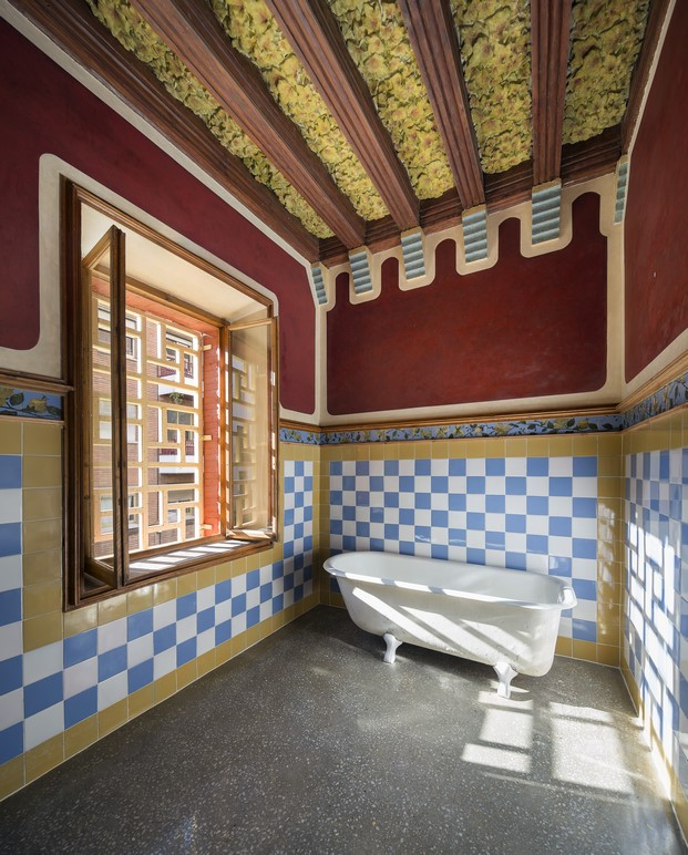 bano casa vicens en barcelona de gaudi en barcelona diariodesign