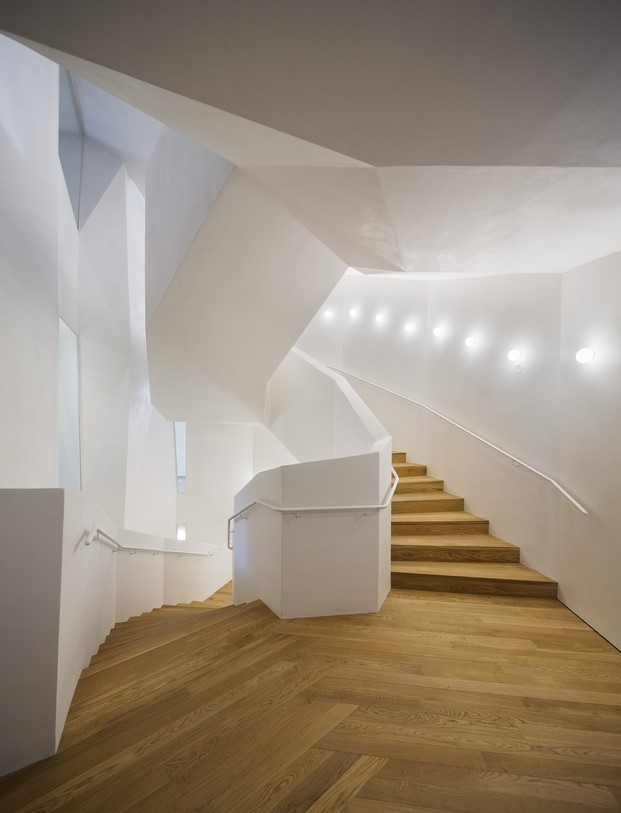 escaleras en casa vicens en barcelona de gaudi en barcelona diariodesign