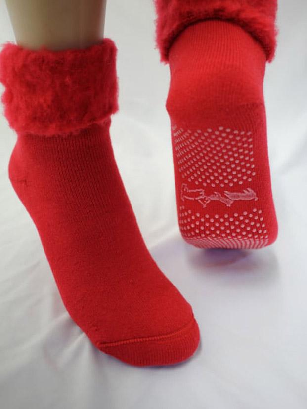 calcetines antideslizantes finlandia en Museo de Artes Decorativas de Madrid diariodesign