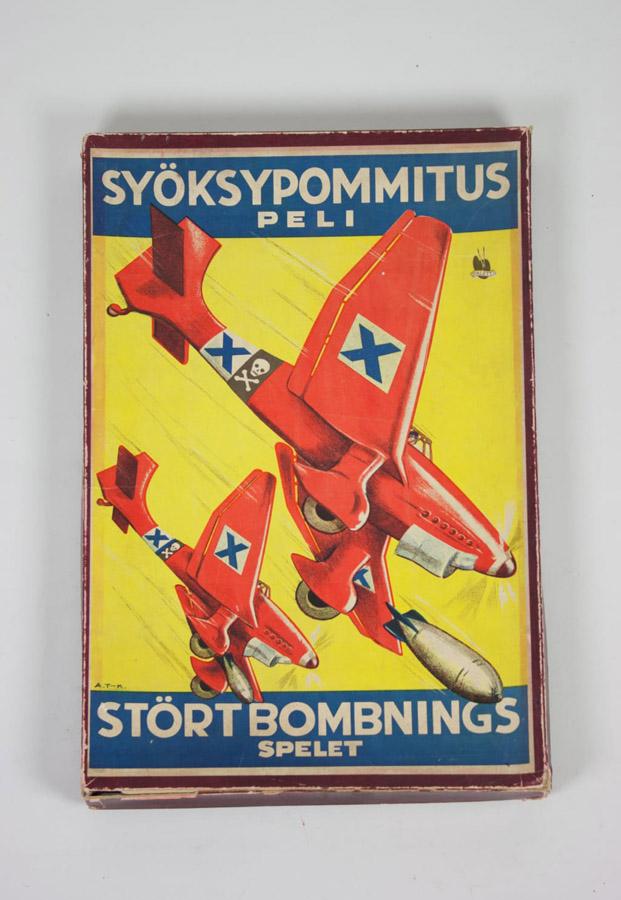 Juego El bombardero finlandia en Museo de Artes Decorativas de Madrid diariodesign