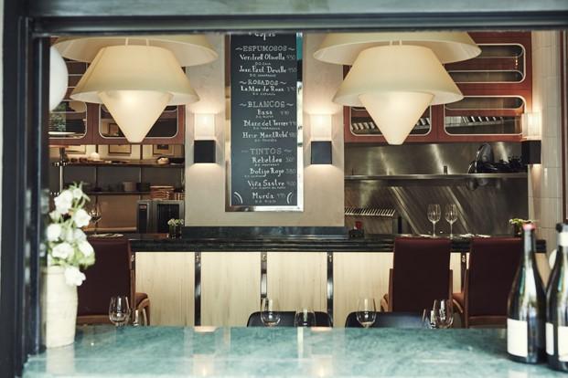 barra restaurante tasca mediamanga en barcelona diariodesign