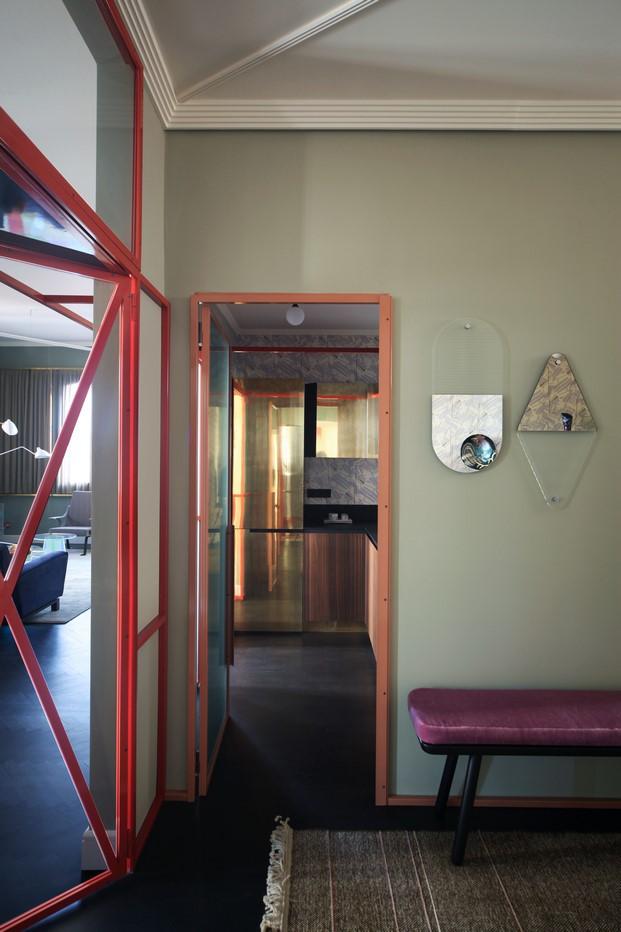 puerta de una reforma de una casa en venecia diariodesign