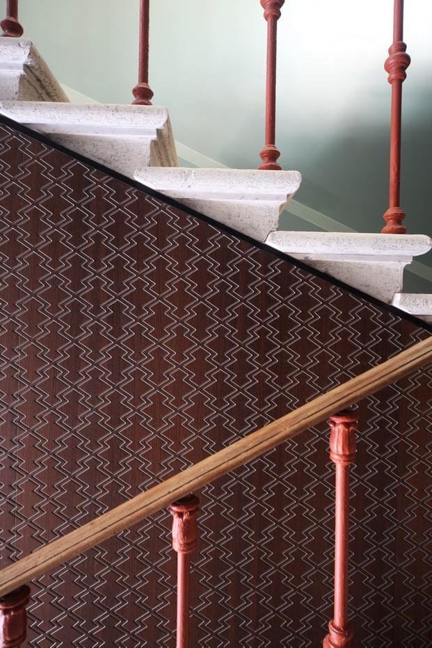 detalle de la escalera another venice reforma del arquitecto marcante testa diariodesign
