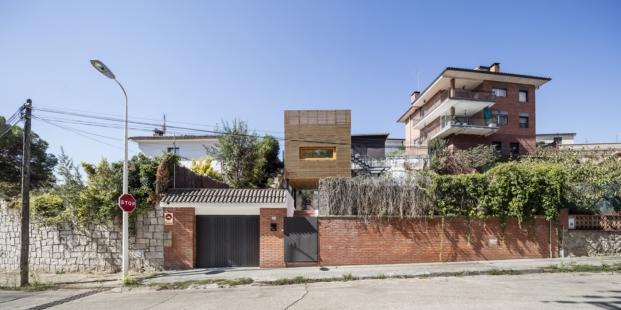 ampliar una vivienda de alventosa morell arquitectes diariodesign fachada