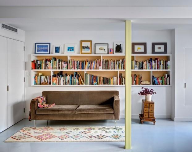 librerira casa para unos artistas y sus gatos en Brooklyn diariodesign