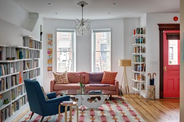 libros y arte casa para unos artistas y los gatos en Brooklyn diariodesign