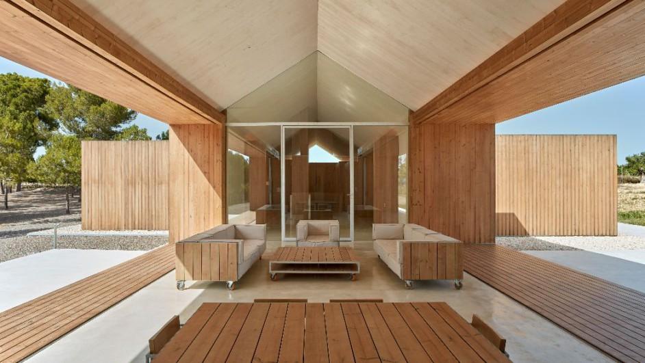 casa ideal de madera de ramon esteve en els alforins diariodesign