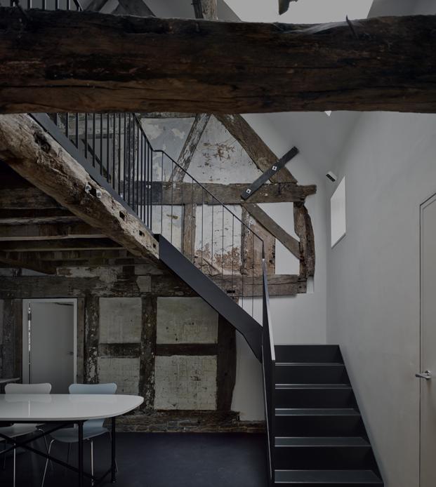 escalera croft lodge studio ruina habitada Kate darby david connor diariodesign