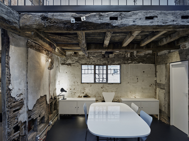 interior croft lodge studio ruina habitada Kate darby david connor diariodesign