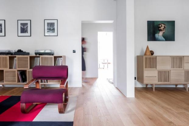 estilo vintage en proyecto del estudio interiorismo loft kolasinski diariodesign salon aparadores
