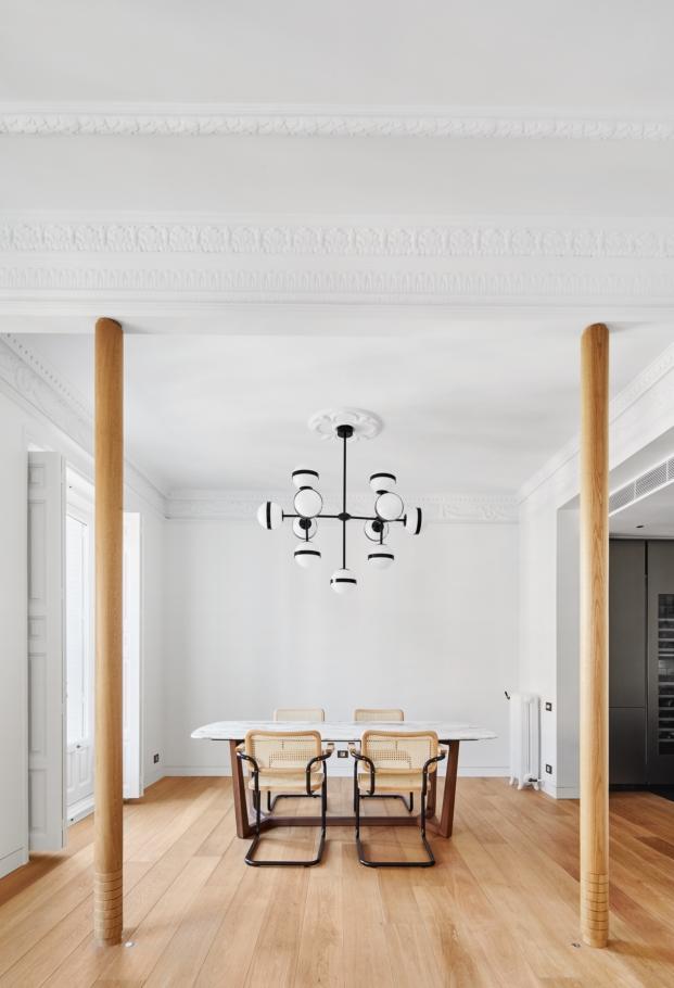 reforma vivienda de estilo clasico en diariodesign comedor columnas madera